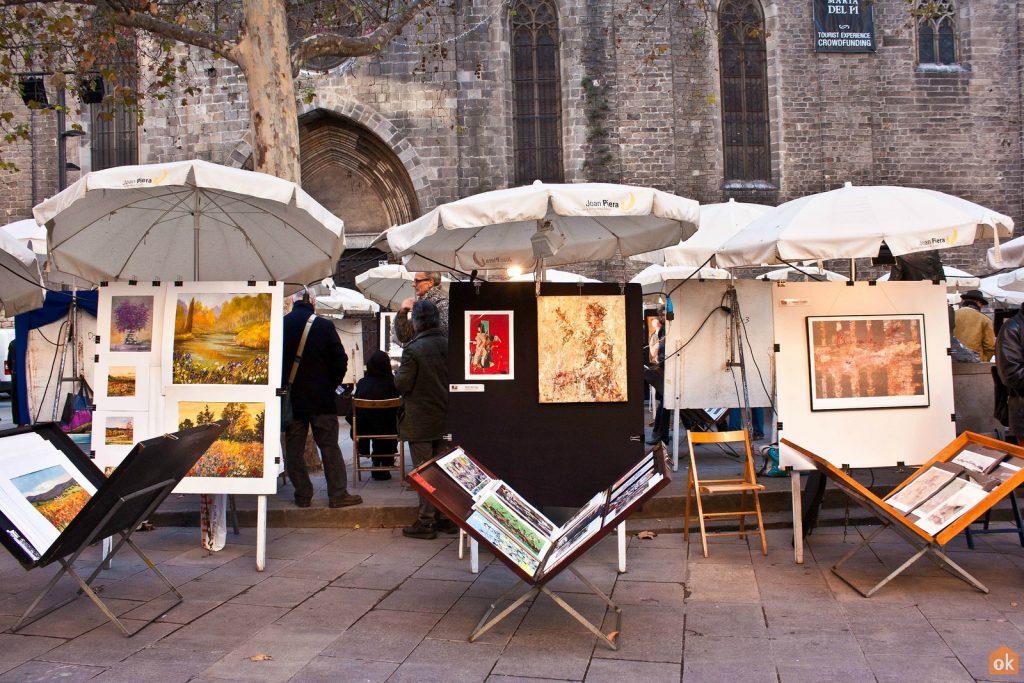 markt met eigen kunstwerken