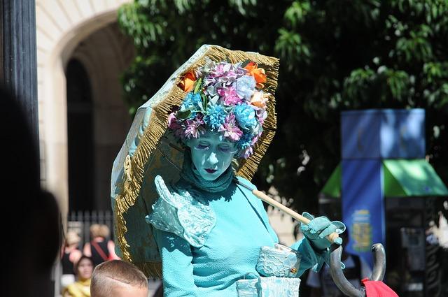 fleurig levend standbeeld