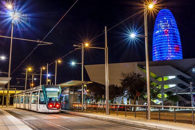 tram bij torre glories