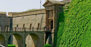ingang kasteel montjuic