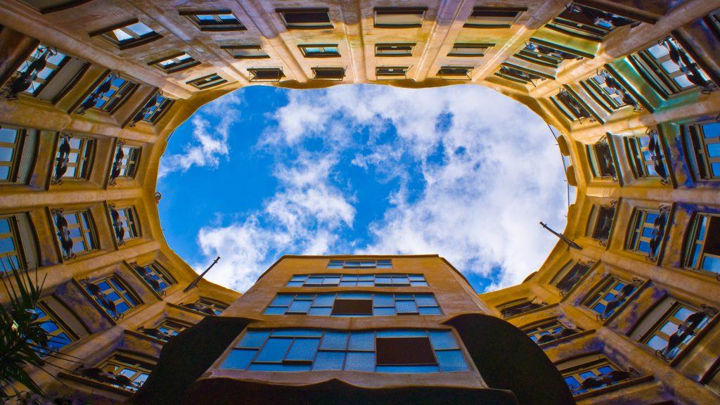 lucht vanaf binnenkant casa mila