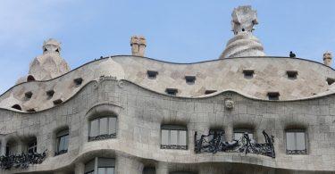 casa mila van gaudi in barcelona