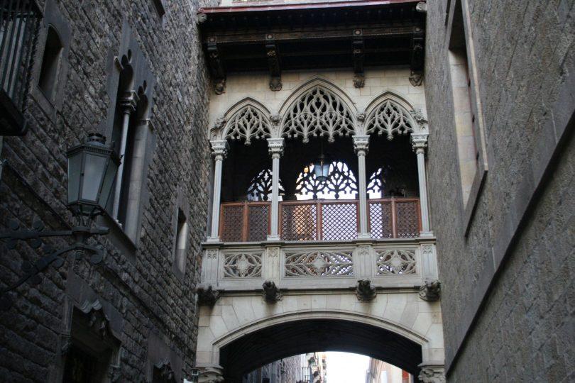 brug in el gotico