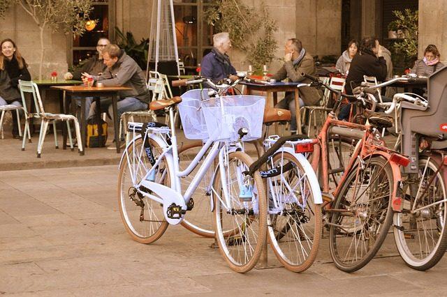 fietsen bij terras