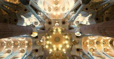 plafond in sagrada familia