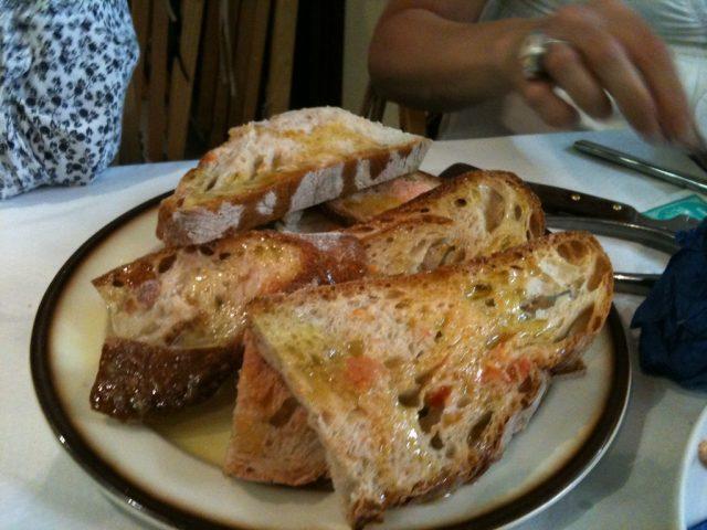 brood met tomaat