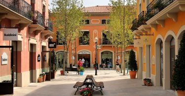 pleintje la roca village outlet