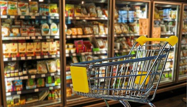 winkelkarretje in supermarkt