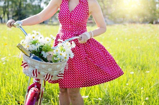 rood met witte stippen jurk