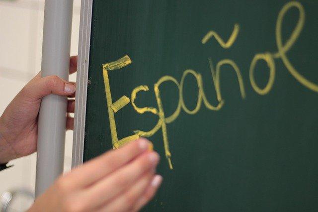 espanol op bord geschreven