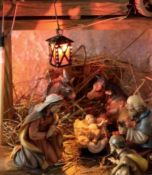 kerststal met jezus in kribbe