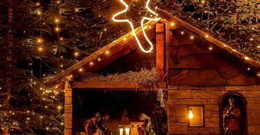 kerststal met kerstster