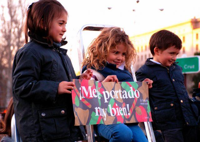 kinderen bij de optocht