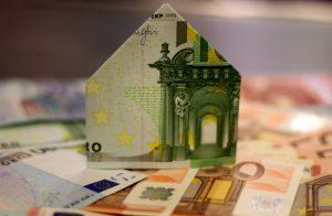 huisje gevouwen van briefgeld