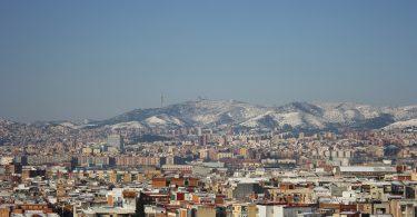 sneeuw op de bergen rond barcelona
