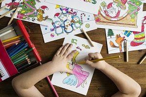 twee handen die kleurplaat kleuren