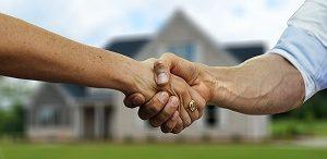 hand schudden voor huis