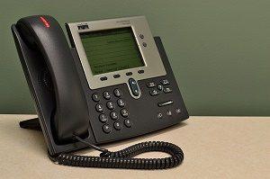 telefoon met display en hoorn