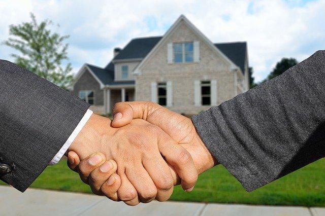 handen schudden voor huis