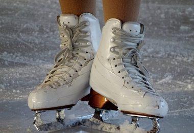 schaatsen op het ijs van dichtbij