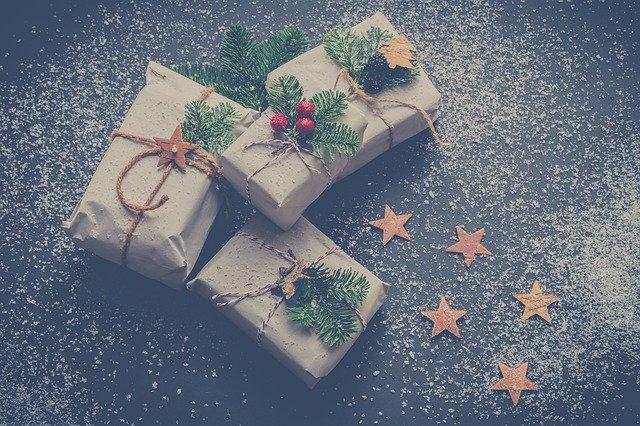 cadeau met sterretjespapier