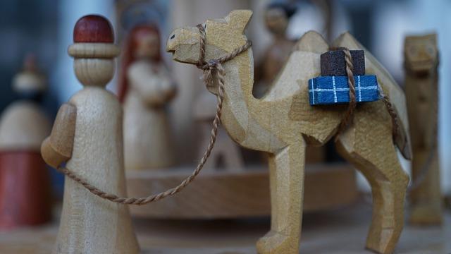 houten figuur van driekoningen
