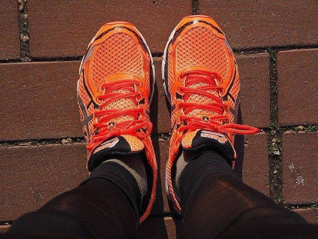 oranje hardloopschoenen