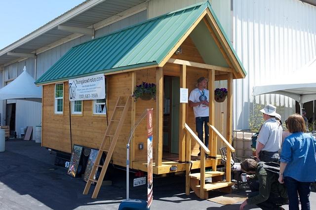 tiny house met groen dak