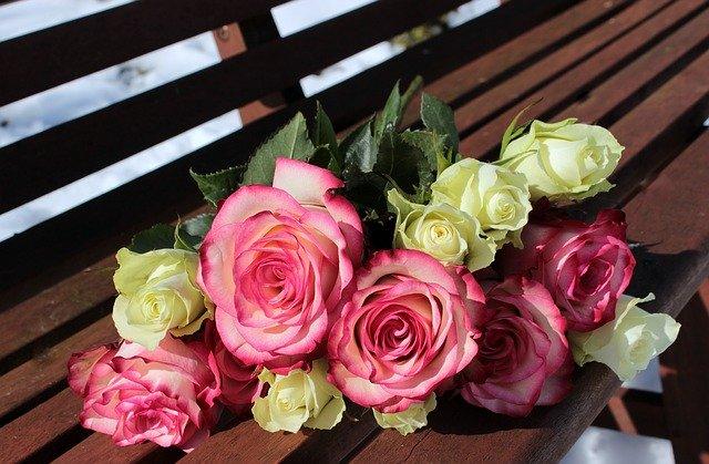 roze en witte rozen