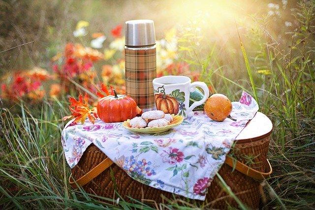 picknickmand met lekkers