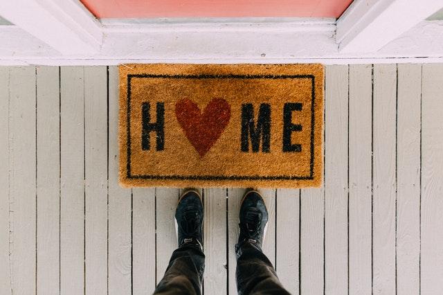 Deurmat met HOME erop