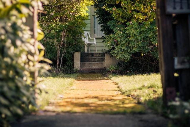 pad naar voordeur