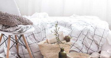 slaapkamer met decoraties