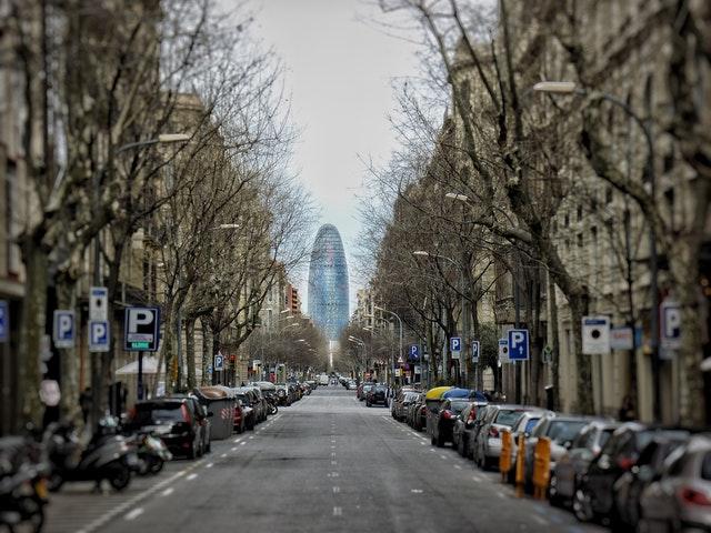 torre glories aan einde straat