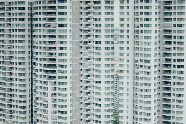 groot gebouw met vakantieappartementen